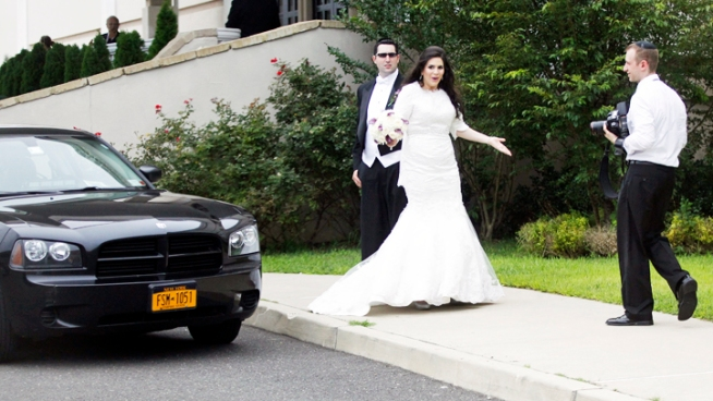 Romney Entourage Crashes NJ Wedding Site