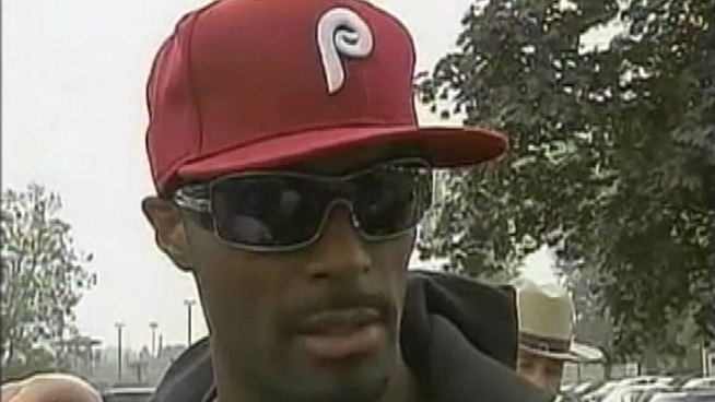 Plaxico Gets Out of Jail