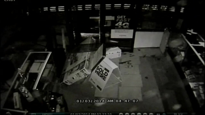 Thieves Use Pickup Truck, Backhoe in Jewelry Store ...