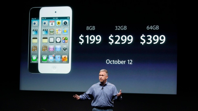 After Hype Over iPhone 5, Apple Delivers iPhone 4S