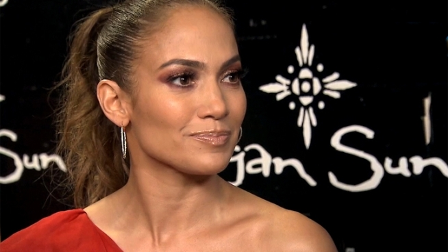 Jennifer Lopez broke down in tears while performing at the Mohegan Sun's 15th anniversary celebration on Saturday in Connecticut. Lopez talks about her  weepy moment.
