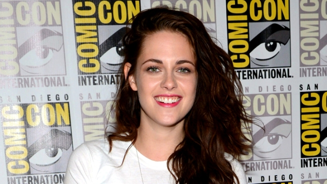 Kristen Stewart and Robert Pattinson take on Comic-Con to promote the fifth and final
