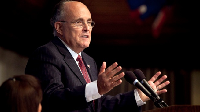 Giuliani Looks in NH for Possible Presidential Bid