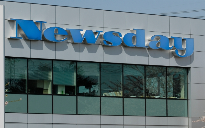 Newsday to Charge $5 Per Week for Web Access