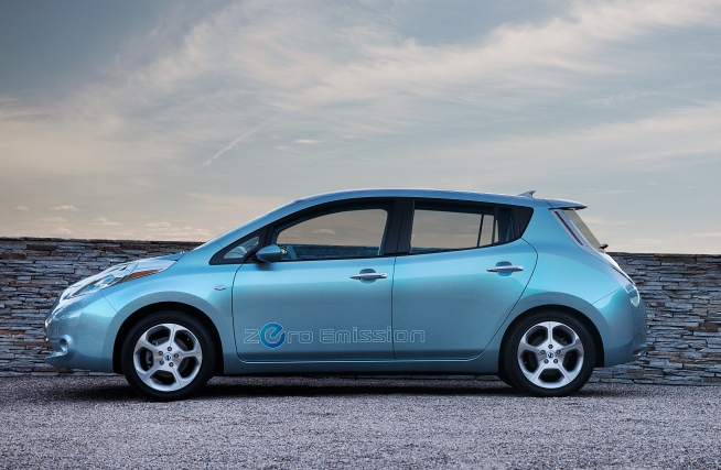 Review: Nissan's New Leaf is the Perfect Commuter Car
