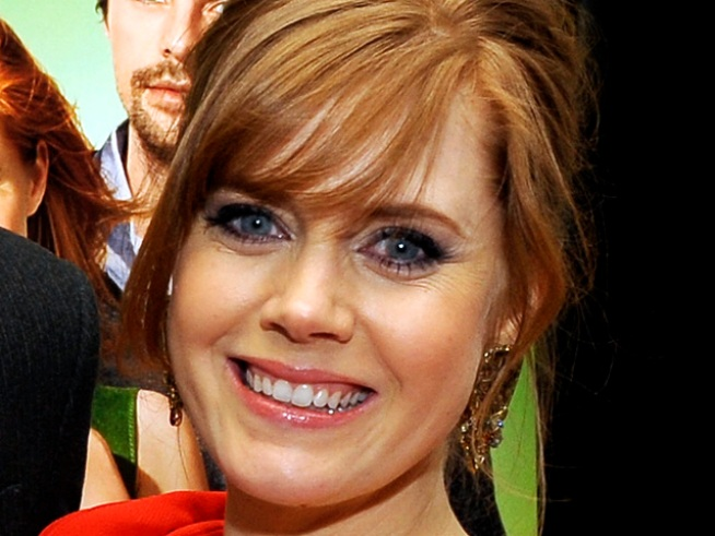 "Amy Adams on Pregnancy Style: ""It's a Big Commitment to the Bump"""