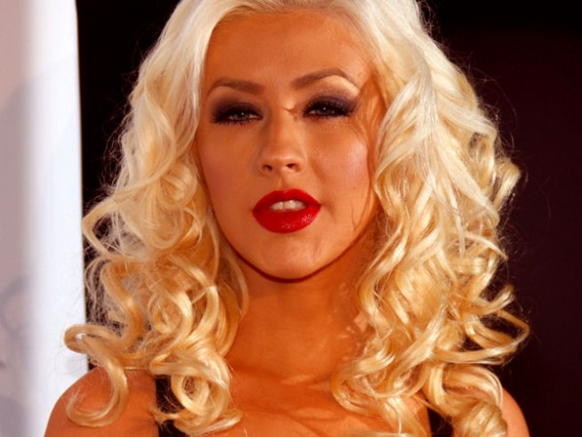 "Christina Aguilera: ""I Never Claimed To Be a Cookie-Cutter Soccer Mom"""