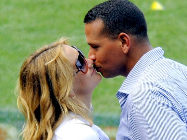 "Kate Hudson: A-Rod Marriage Rumors ""Ridiculous"""