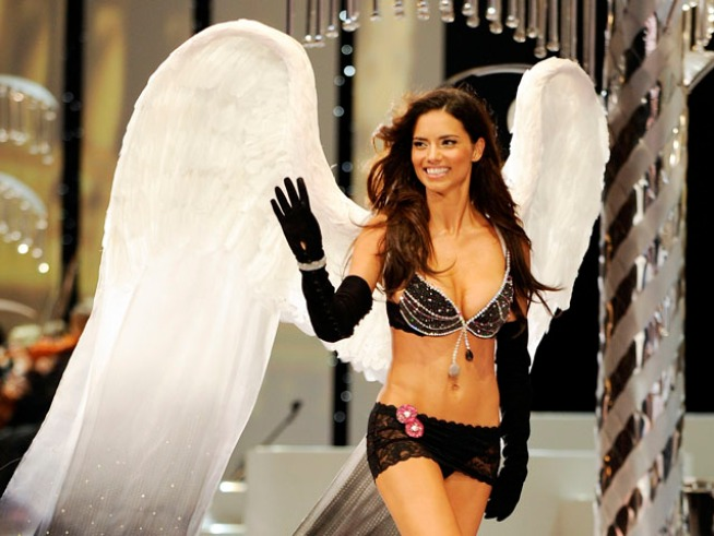 Victoria's Secret Angel Adriana Lima Welcomes Baby