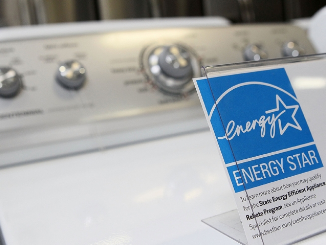 "New Yorkers Cash in on ""Cash for Appliances"" Program"