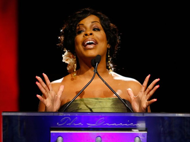 "Niecy Nash Eliminated on ""Dancing"""