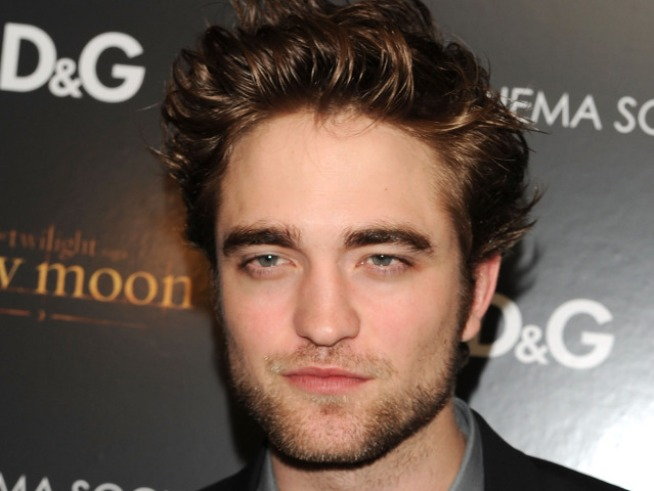 Robert Pattinson Surprises Twi-Hard Family With 'Oprah' Assist