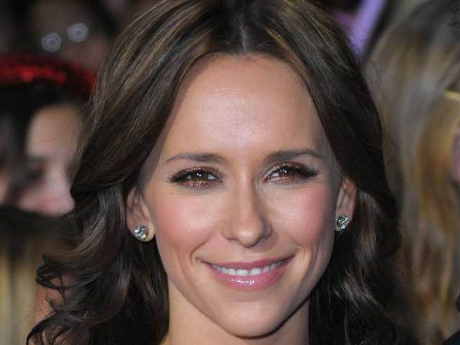 Jennifer Love Hewitt Promotes Relationship Book After Breakup