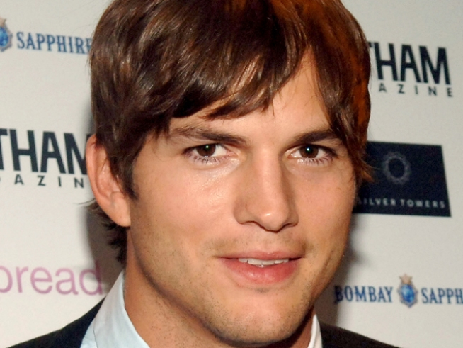 "Ashton Kutcher on Kissing Jessica Alba: I Had ""Jealous Friends"""