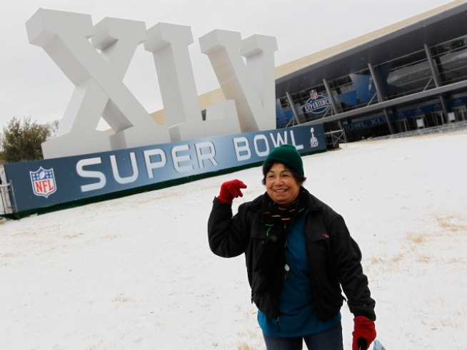 No Need to Wait Until 2014 for Whining About Cold Super Bowl