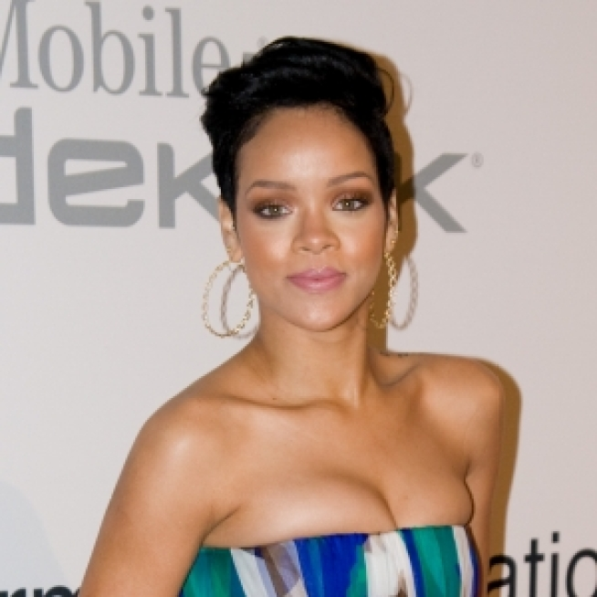Rihanna Seeking Return Of Pricey Jewelry She Was Wearing Night Of Attack