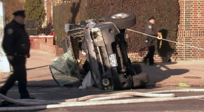 4 Injured When Car Collides with Firetruck Rushing to Fire