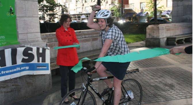Bike Trounces Taxi, Subway in Commuter Race