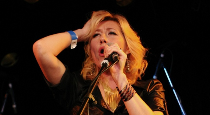 Tonight: Martha Wainwright Sings Edith Piaf
