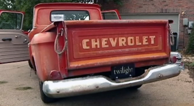 "Teen Uses ""Twilight"" Truck to Drive Charity"