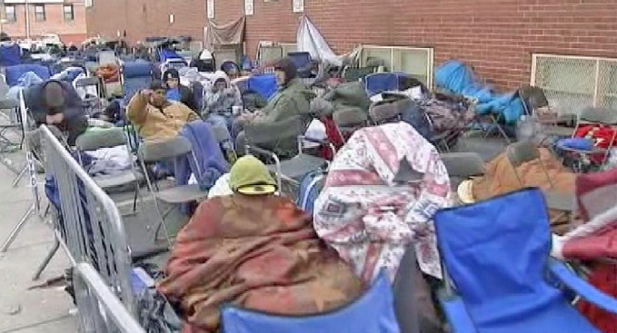 Hundreds Camp Out  in Queens to Apply for Union Apprenticeship