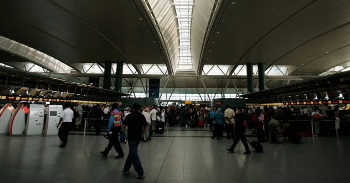 JFK passengers slip by TSA security checkpoint, source says