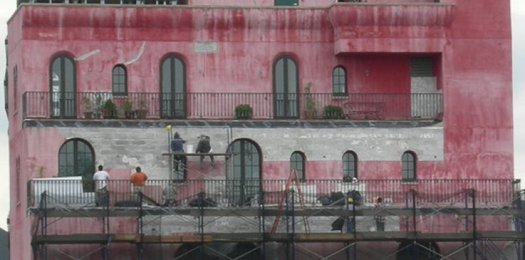 CHUPI IN CRISIS: Palazzo Losing Its Pink