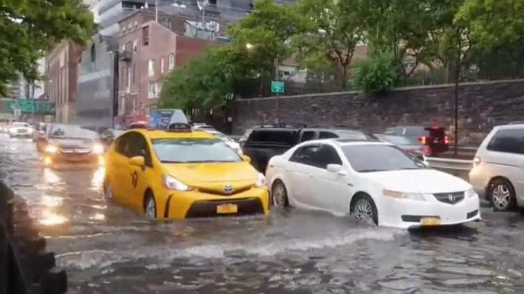 Flooding on FDR Drive Jams Traffic on Upper East Side