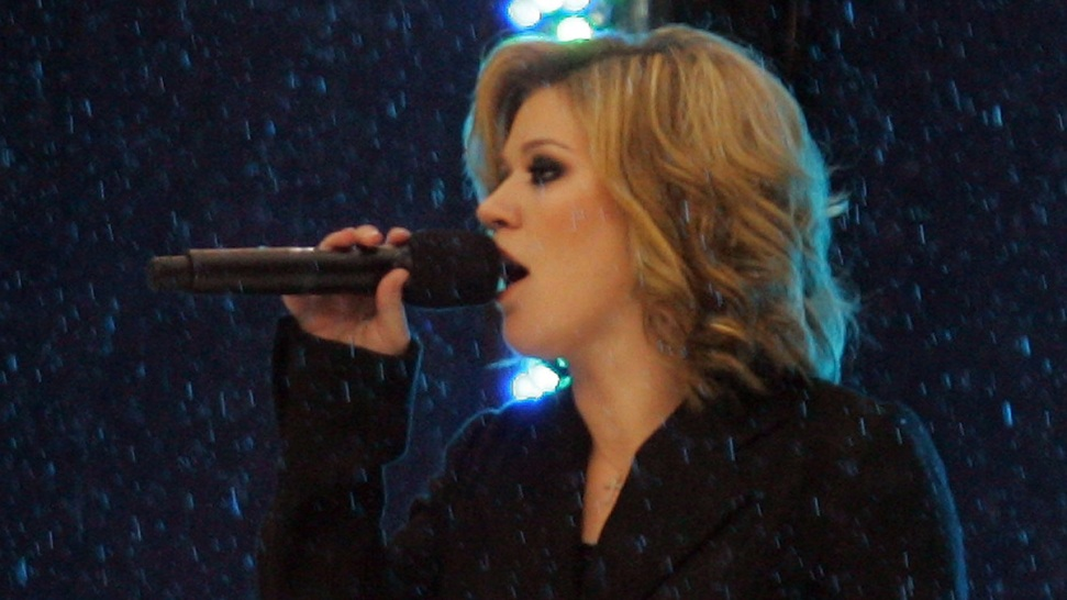 Win Tickets to Kelly Clarkson 2019 Meaning of Life Tour