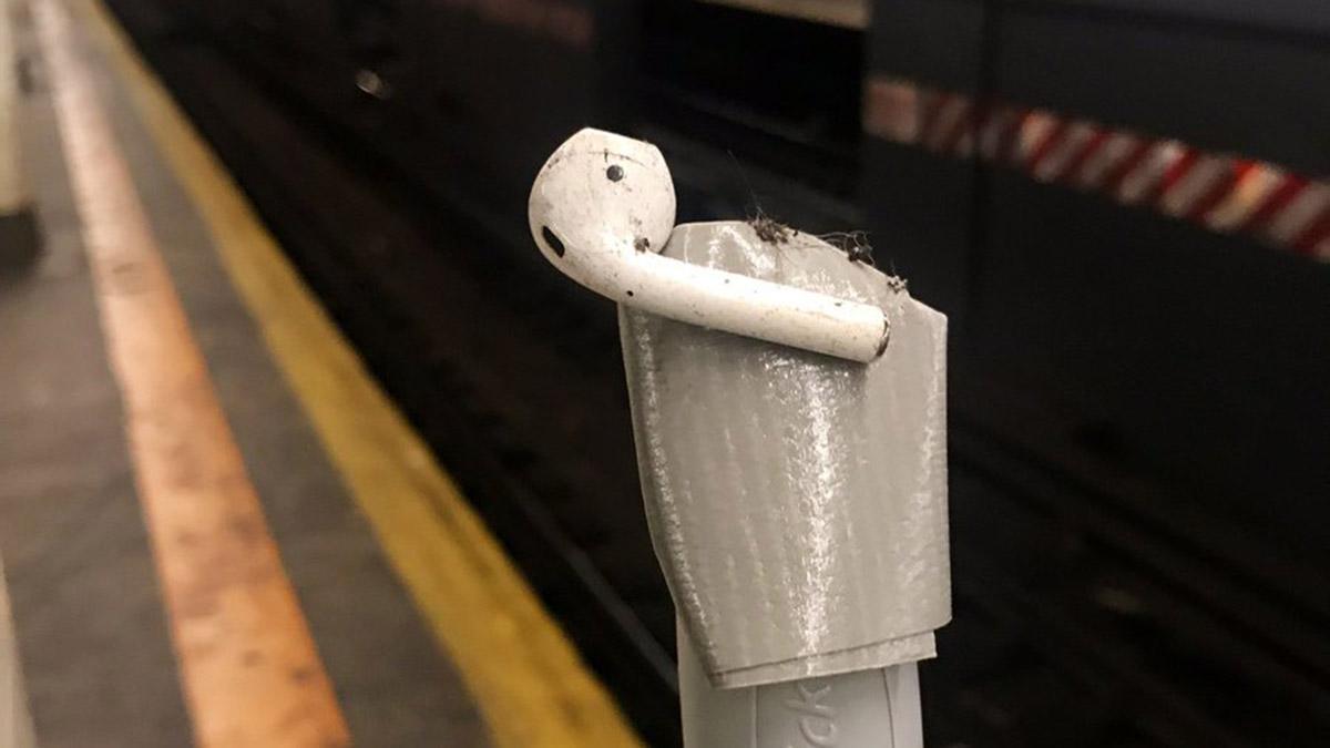 NYC Woman Defies Germaphobes, Puts Subway AirPod Back in Ear