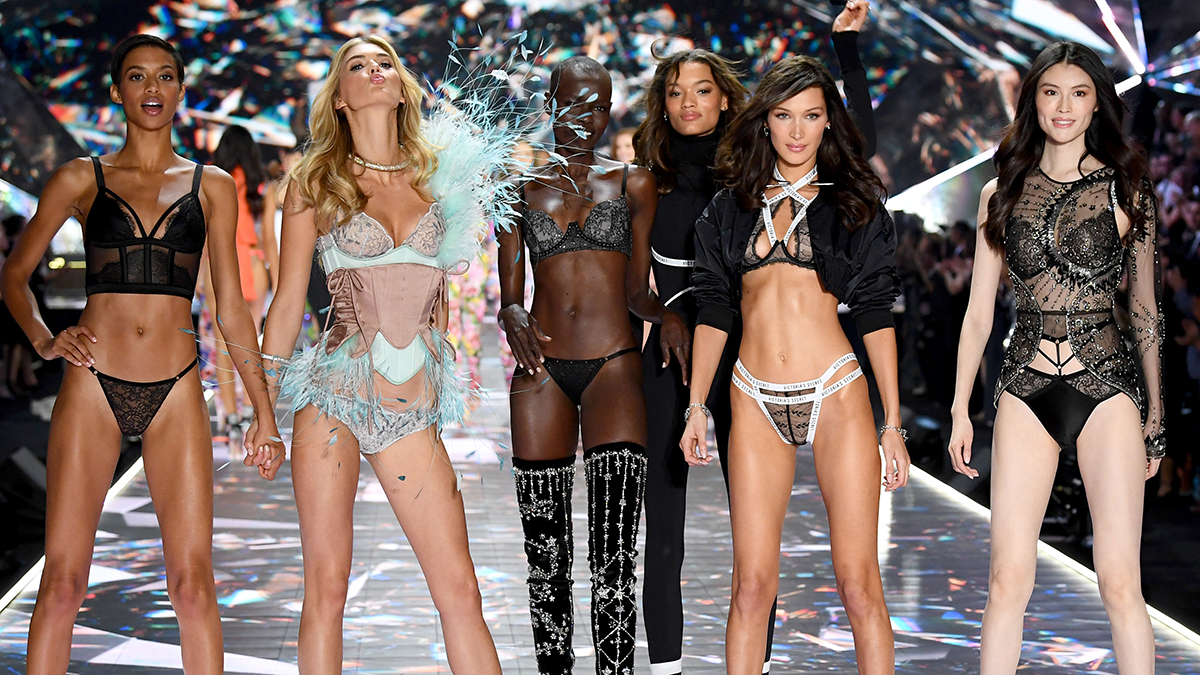 Hottest Looks From the 2018 Victoria's Secret Fashion Show