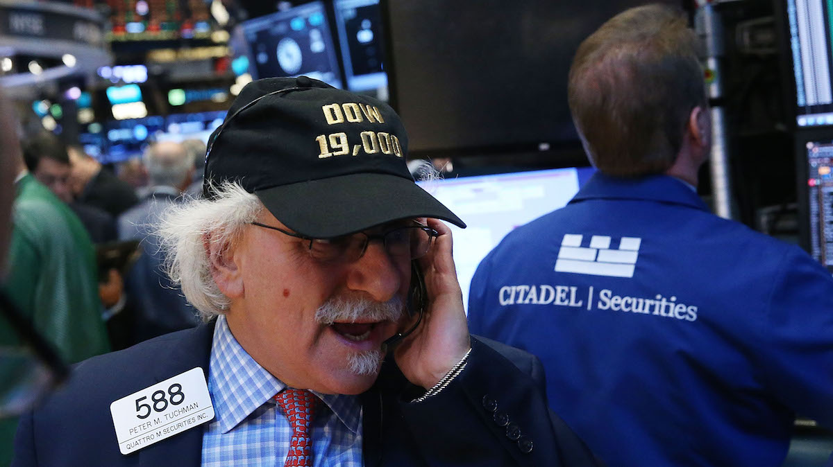Traders work on the floor of the New York Stock Exchange (NYSE) on November 22, 2016 in New York City. U.S. stocks continued their advance into record highs on Tuesday with the Dow Jones Indistrial average hitting 19,000 for the first time.