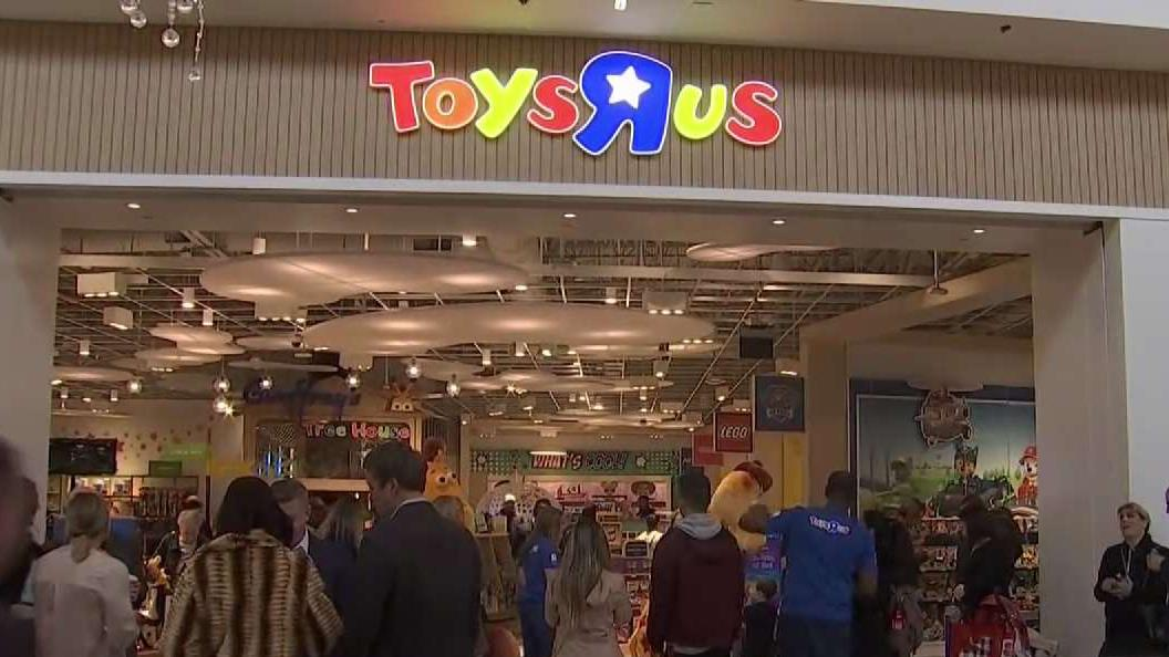 Toys 'R' Us Opens First New Store in New Jersey