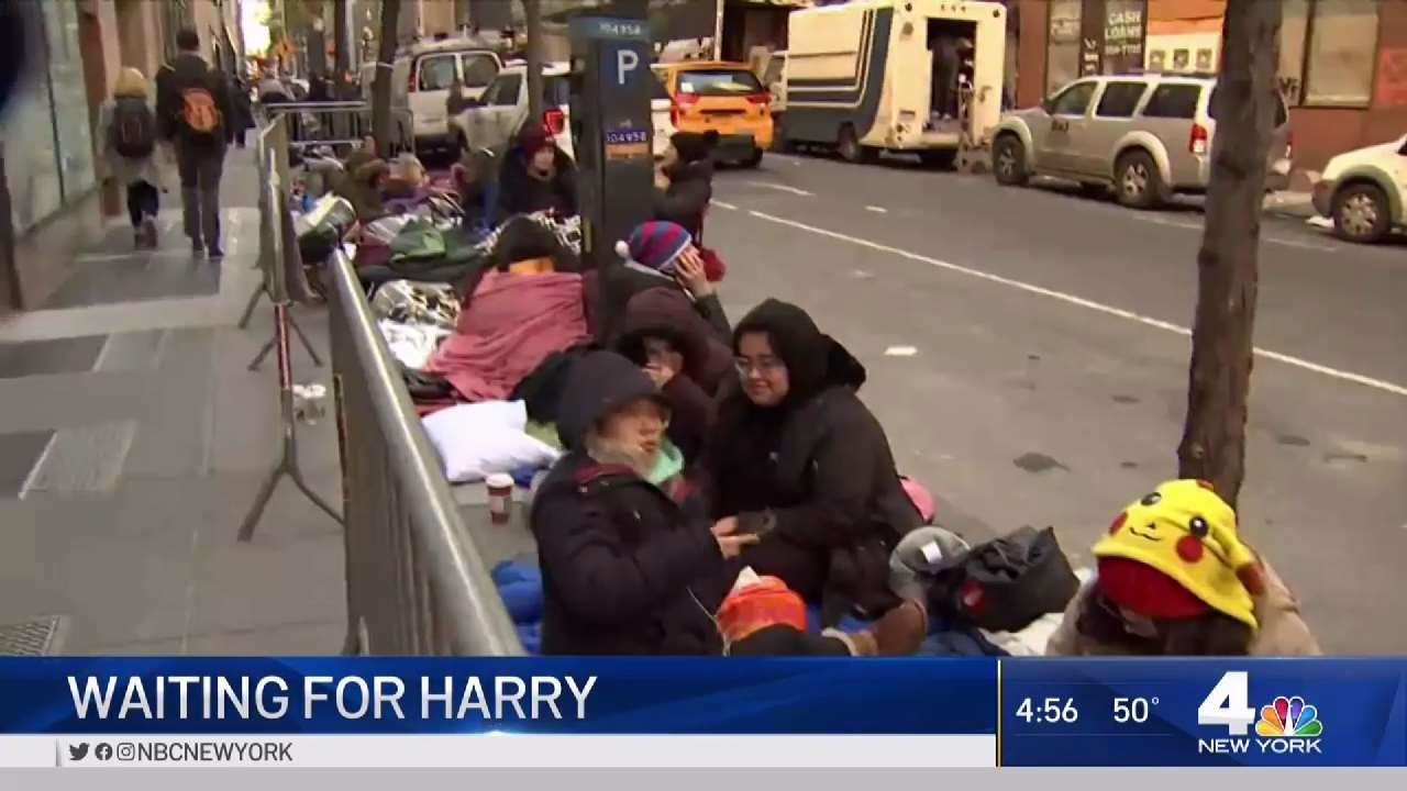 Crowds Line Up Outside Rockefeller Plaza Waiting for Harry Styles