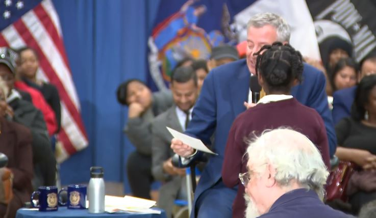 'Why Is the MTA Never on Time?' NYC 4th Grader Grills Mayor