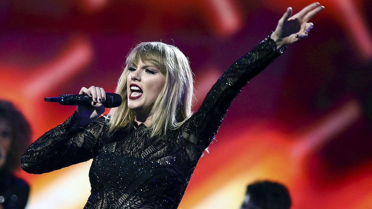 She's Back: Taylor Swift Announces New Album