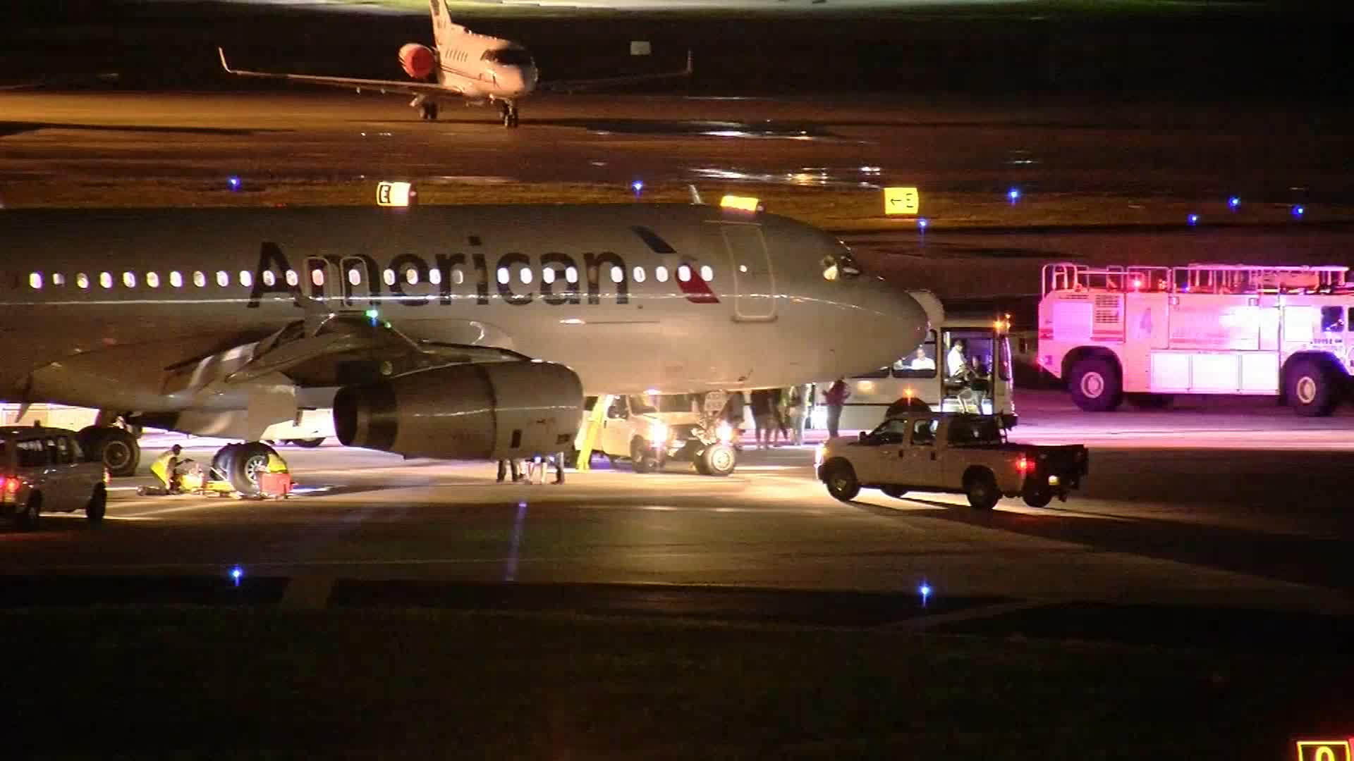 American Airlines flight 574 traveling from Phoenix, Arizona to Tampa, Florida was forced to make an emergency landing after a warning light came on in the cockpit Monday night. (Published Sept. 20, 2016)